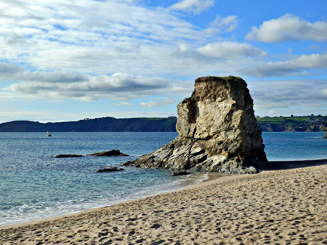 The rock and sandy beach at Carlyon Beach, Cornwall