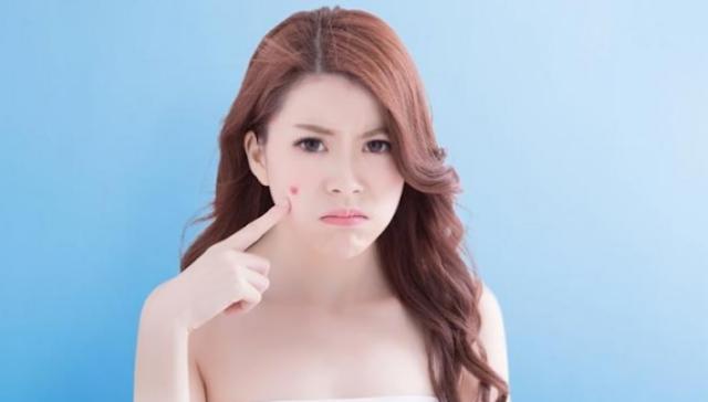 AGEN BOLA - Hati - Hati Pakai Blush On Dan Shimmer Untuk Jerawat  Di Wajah