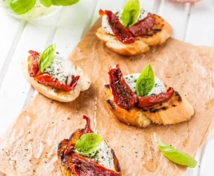 Ricotta, basil and sundried tomato toast