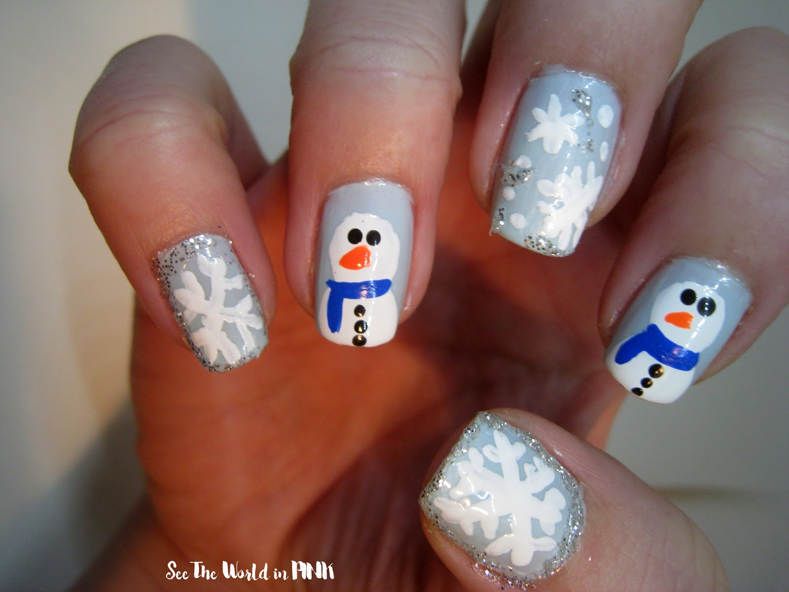 Manicure Monday - Christmas Nail Art