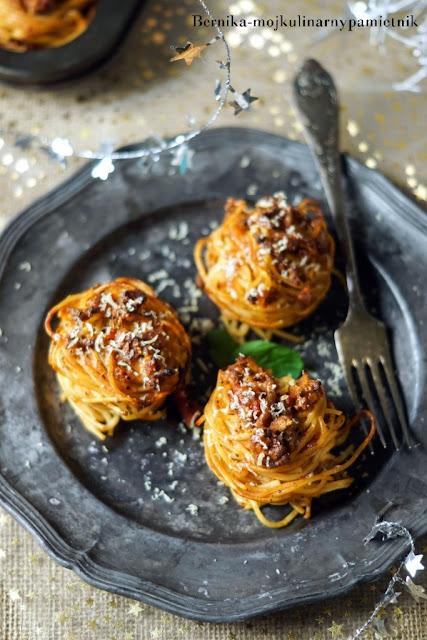 makaron, lubella, gniazda, spaghetti bolognese, bolognese, bernika, sylwester, kulinarny pamietnik