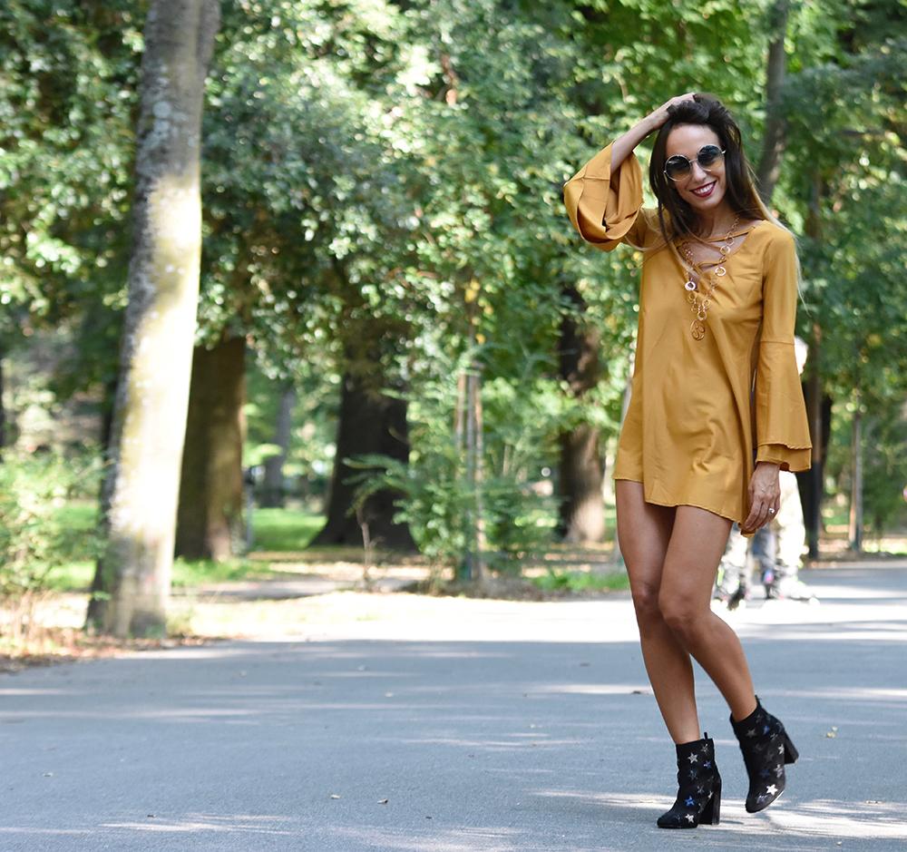 abito giallo senape