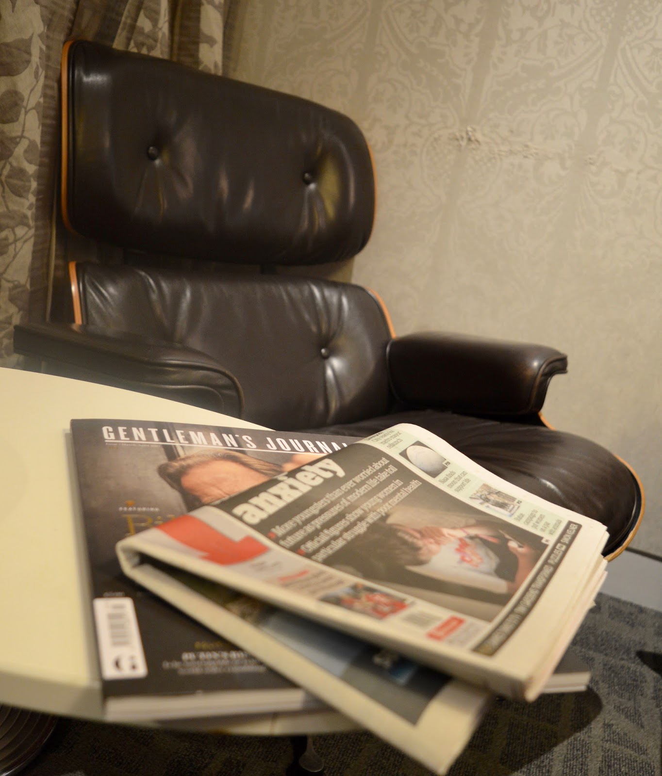 Is it worth booking an Escape VIP airport lounge for breakfast at Manchester airport if you have a morning flight?  - lazy chair