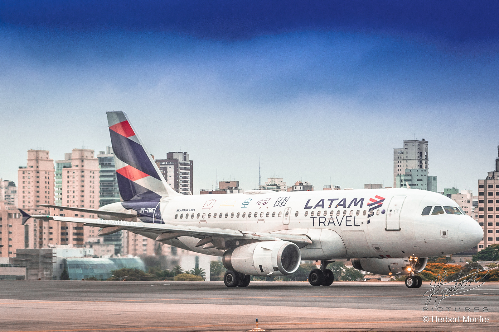 LATAM Brazil Regains 77% of its Domestic Fligts Network Seat Supply in August | Photo © Herbert Monfre - Airplane photographer - Events - Advertising - Essays - Hire the photographer by e-mail cmsherbert@hotmail.com | Image produced by Herbert Pictures - MORE THAN FLY