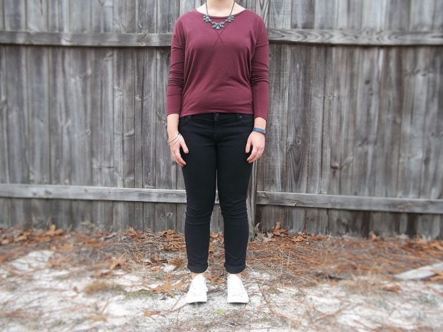 marsala black grey white converse skinny jeans outfit Fitbit sporty