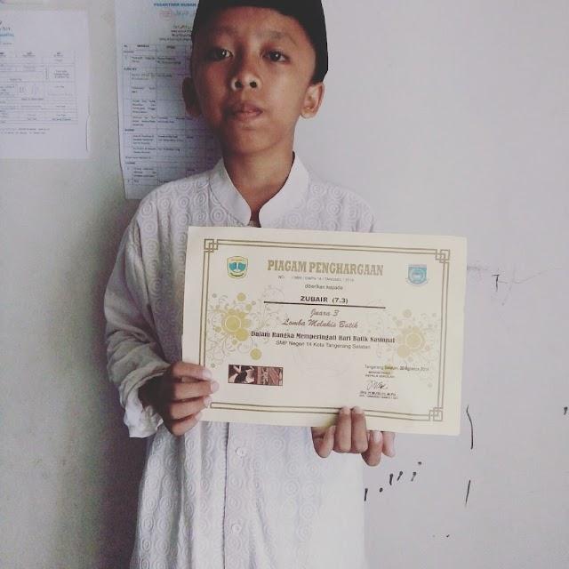 Santri Anamfal Zubair Juara III Melukis Batik