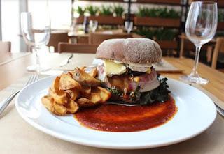 Restaurante Curi na Barra da Tijuca  lança novidades para o Dia Mundial do Hambúrguer