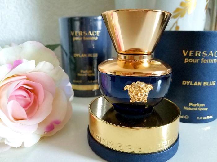 Review: VERSACE - Dylan Blue pour femme Eau de Parfum - Madame Keke Luxury Beauty and Lifestyle Blog 3