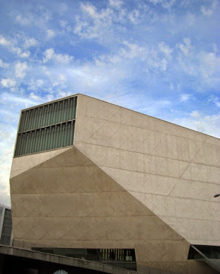 Fachada da Casa da Música do Porto