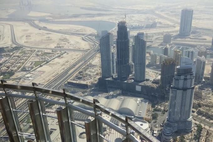 Sangat Menakjubkan, 12 Foto Ini Diambil di Burj Khalifa Menara Tertinggi di Dunia