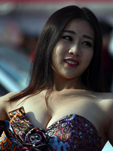 jiang qing pemenang kontes payudara terindah dan terseksi di tiongkok