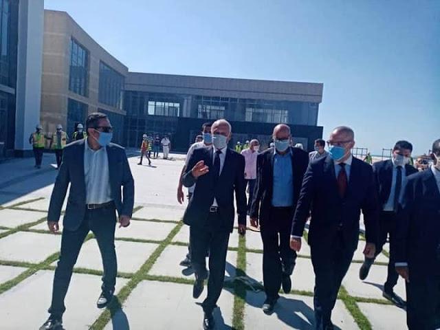 وزير الإسكان والأمين العام لجامعة الدول العربية يشهدان توقيع عقد شراء الأكاديمية العربية للعلوم والتكنولوجيا لفرع العلمين الجديدة