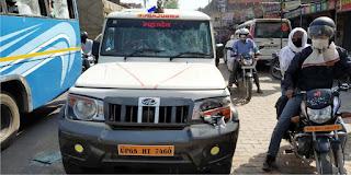 आक्सीजन खत्म होने पर परिजनों ने एम्बुलेंस में किया तोड़फोड़ | #NayaSaberaNetwork