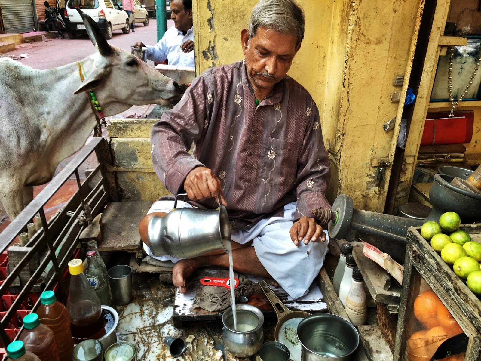Places to see in Mathura Bhang streets vishram ghat