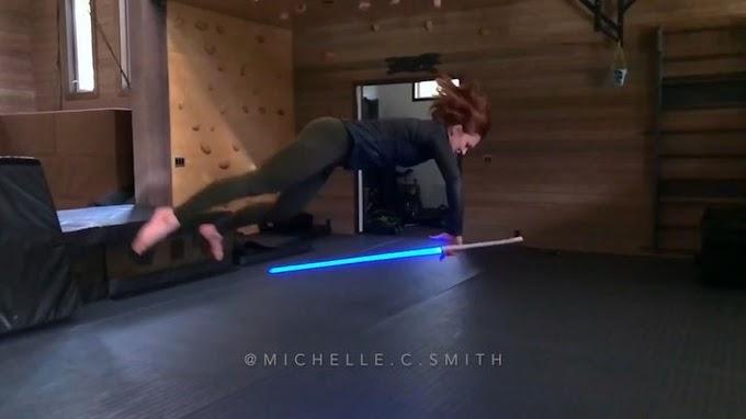 Impresionante rutina con sable laser por Michelle Christa Smith