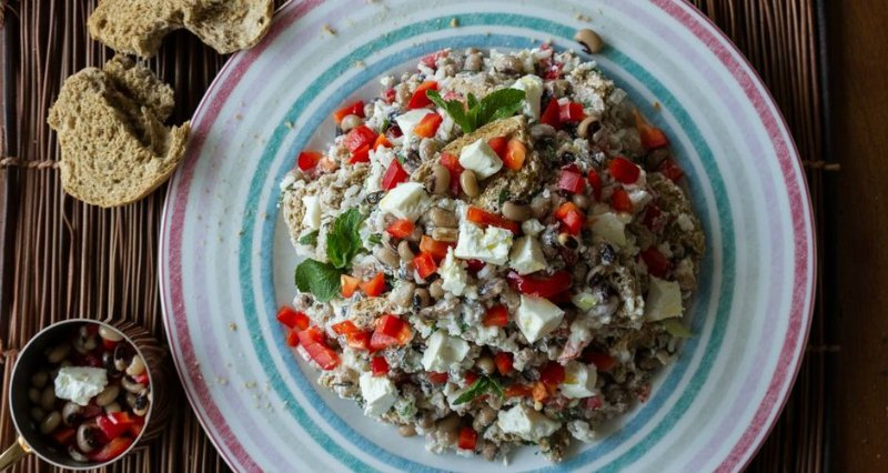 Ioanna's Notebook - Rice Salad with black eyed Beans