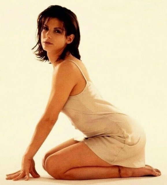 Hollywood Actress Sandra Bullock Photos