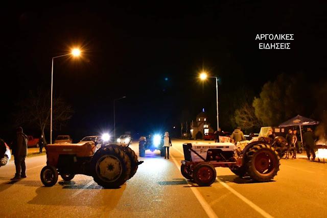 Έκλεισαν συμβολικά την εθνική οδό με τα τρακτέρ τους οι αγρότες στην Αργολίδα (βίντεο)