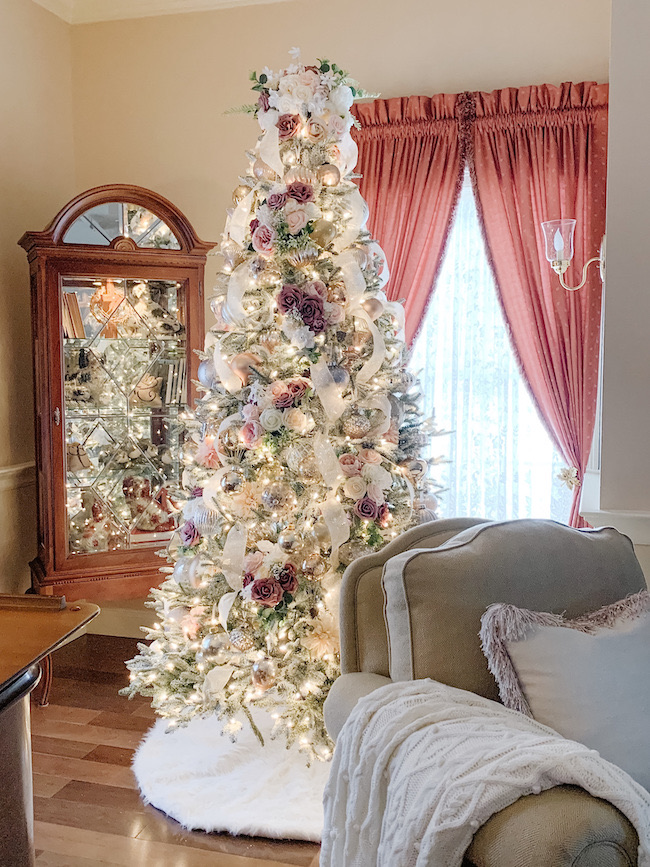 Lovely Livings Christmas Tree by Lovely Livings featured at Pieced Pastimes