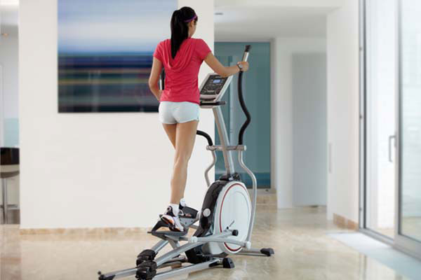 Elliptical Machines Usage offer Low Impact & advantages Time safe for beginners Total Body exercise Exercise