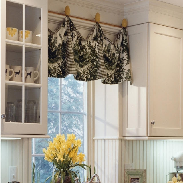 Kitchen Unit Curtains: Give Your Kitchen A Nice Touch With These 25 Great Ideas