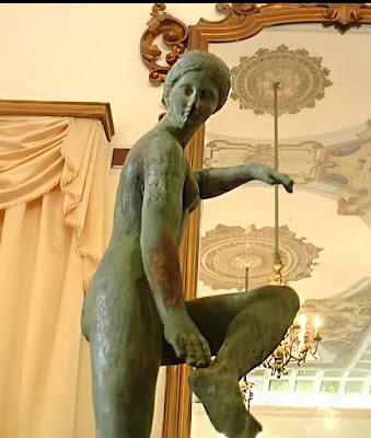 Αρχαίο ελληνικό άγαλμα της Αφροδίτης βρέθηκε στον Τάραντα της νότιας Ιταλίας
