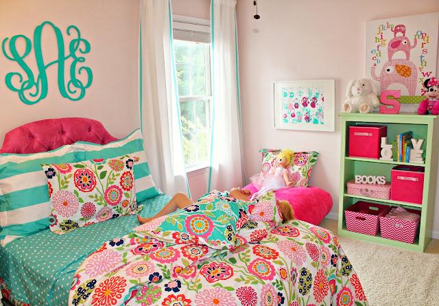 Carolina On My Mind: Turquoise And Pink Big Girl Bedroom