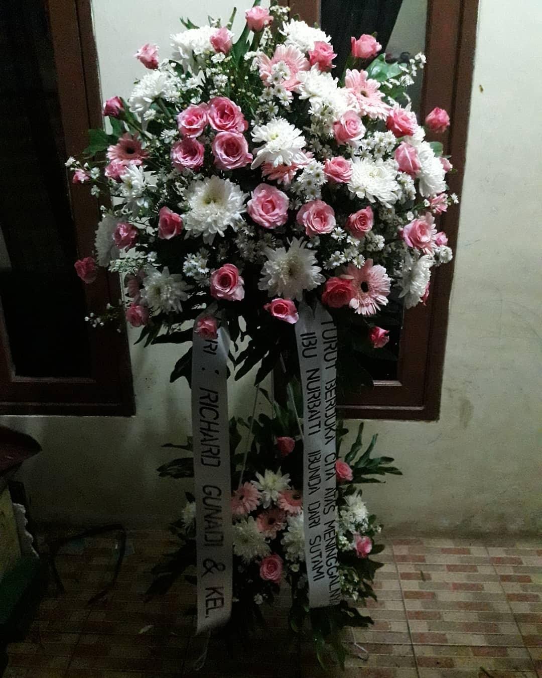 Karangan Bunga Standing Flowers 012
