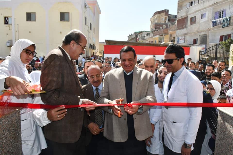 محافظ البحيرة يتفقد اعمال تطوير اقسام مستشفى أبو حمص العام ويفتتح بنك الدم بها