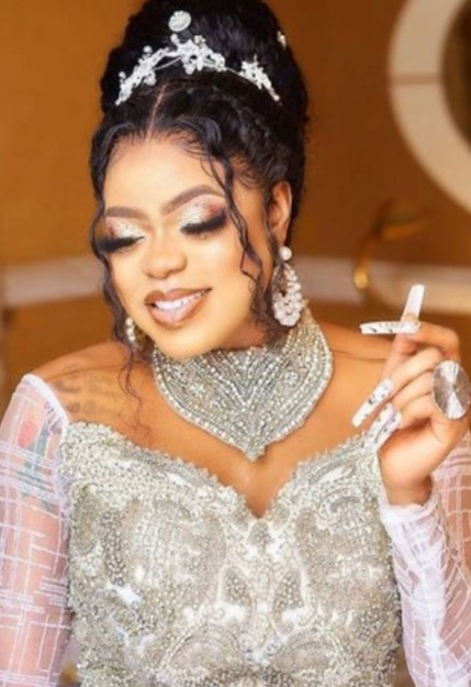 Bobrisky sends condolence messages to Toyin Lawani over loss of her father