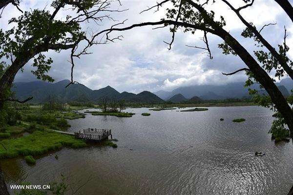 ทะเลสาบต้าจิ่ว (Dajiu Lake) @ เขตอนุรักษ์เสินหนงเจี้ย (Shennongjia Nature Reserve)