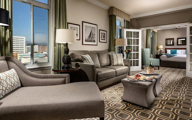 The famous Georgian Hotel in Santa Monica, CA is your home for 1940's Old Hollywood glamour near one of the best beaches in Los Angeles.
