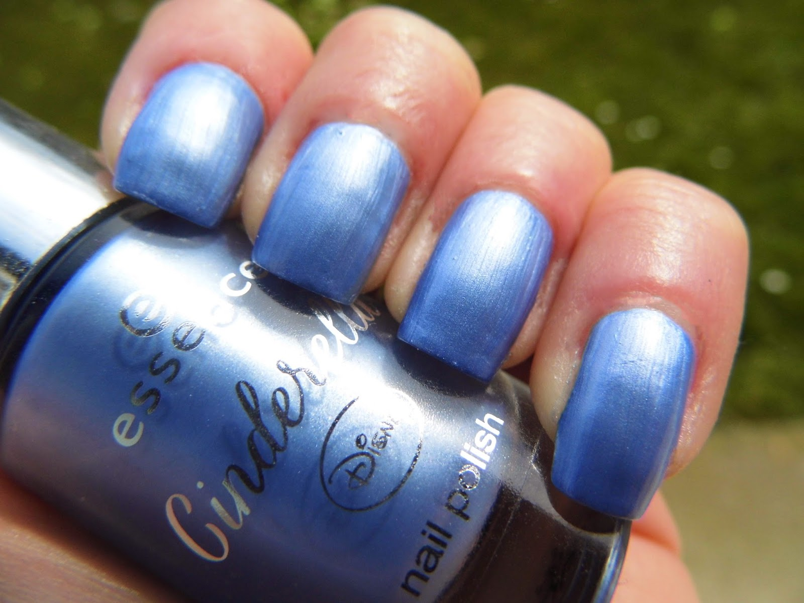 essence-cinderella-limited-edition-nail-polish-prince-charming-swatch-picture