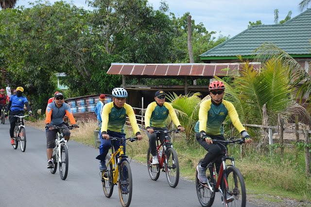 Danrem 141/Tp Bersama Anak Buahnya Laksanakan Sepeda Santai