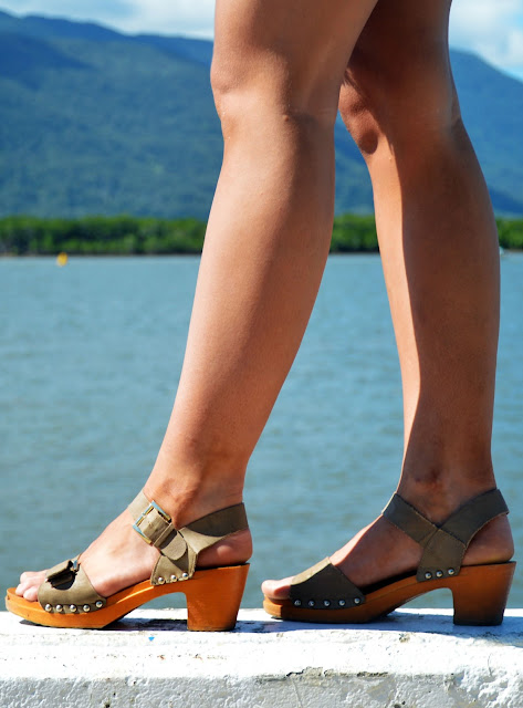 clog heels street style