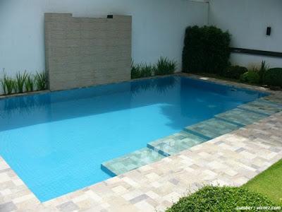 desain kolam renang ukuran midi untuk rumah minimalis