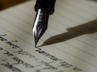kegiatan menulis dengan indah