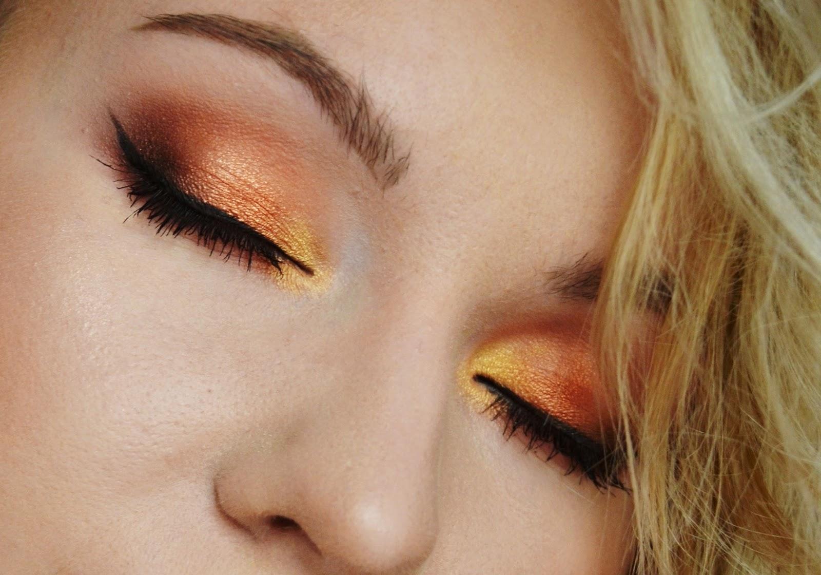 Caramel melange zoeva, najlepsze cienie, paleta cieni, caramel melange makijaż, paleta ciepłych cien, ciepły makijaż, makijaż dla niebieskich oczu
