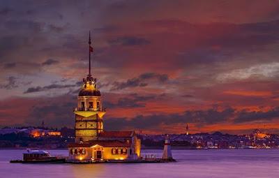 Wisata Ke Menara Maiden & Nikmati Makan Malam Indah di Turki