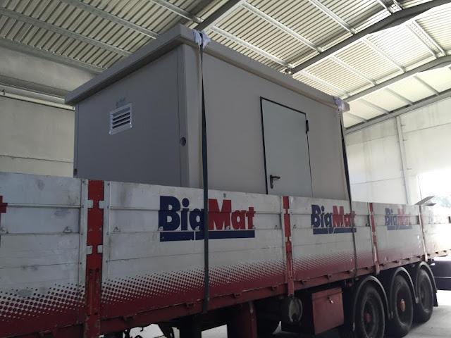 imagen transporte caseta de hormigón en camión