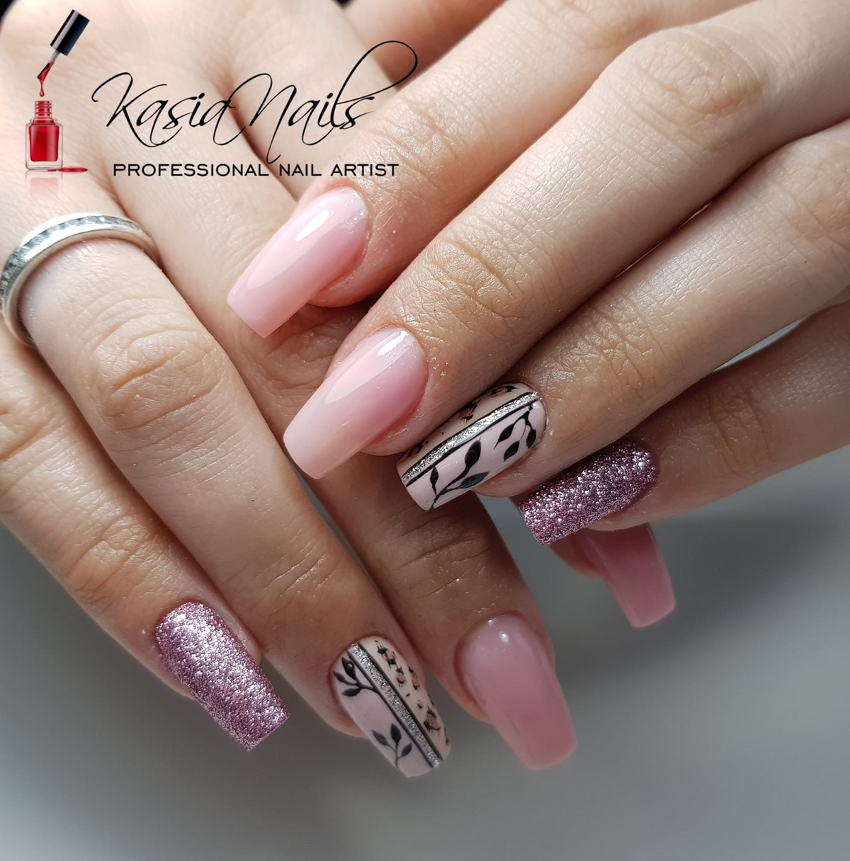 różowe paznokcie hybrydowe