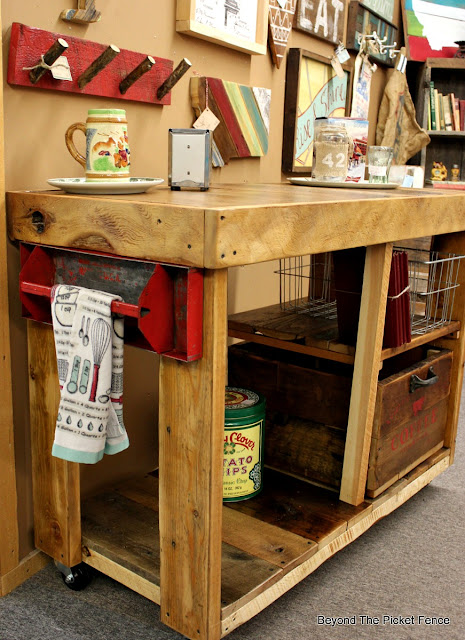 reclaimed wood, salvaged wood, kitchen island, build it, toolbox,  http://bec4-beyondthepicketfence.blogspot.com/2016/02/reclaimed-wood-island.html