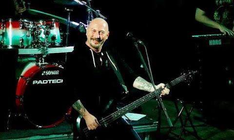 Ma lett 52 éves a Kárpátia zenekar legendás frontembere, Petrás János