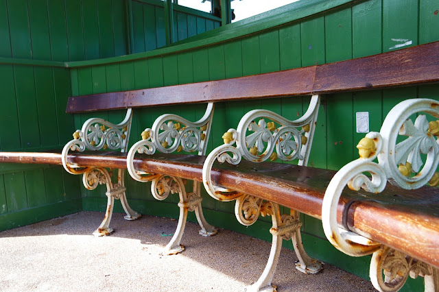 rusted benches in blackpool