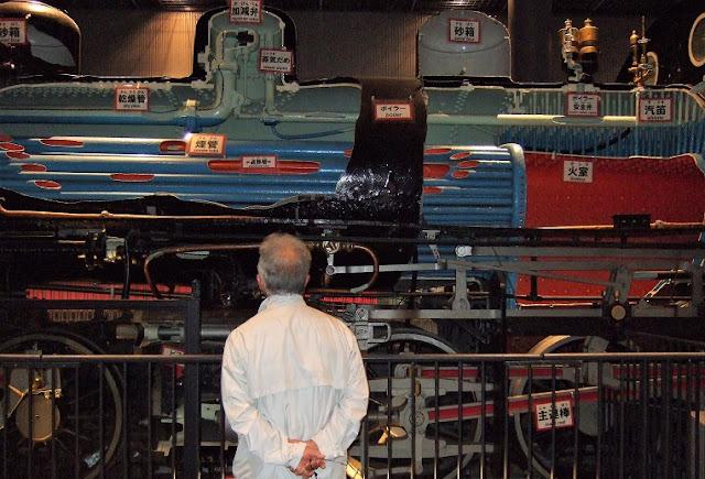 フランスから輸入した蒸気機関車の側面
