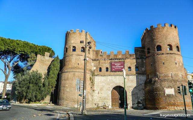 Porta de São Paulo, em Roma