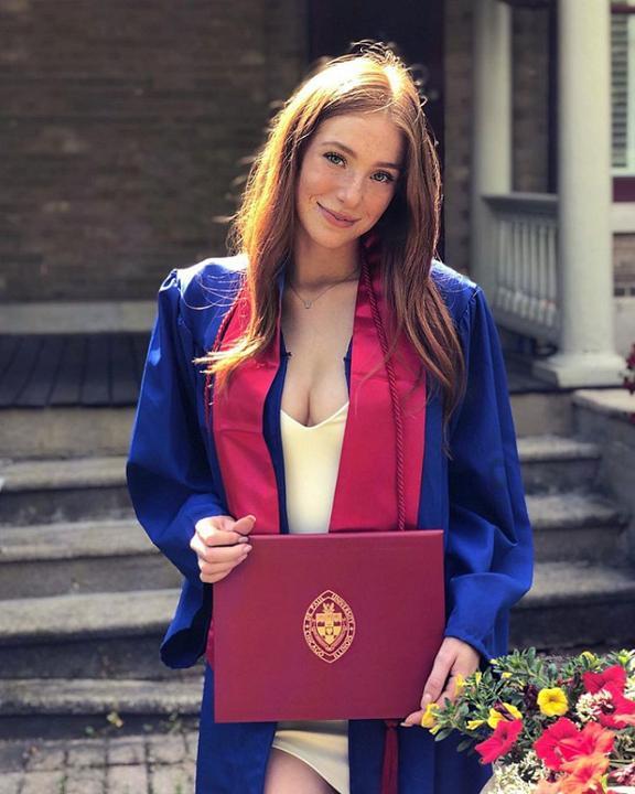 Cô gái Mỹ có màu tóc đỏ tự nhiên trong 2% dân số thế giới
