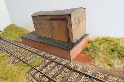 Small O gauge goods shed