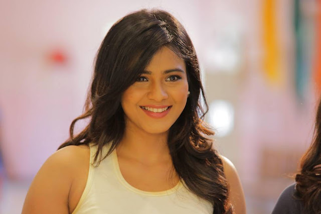Hebah Patel Latest Hot Glamourous Spicy PhotoShoot Images From Nenu Nanna Naa Boyfriends Movie