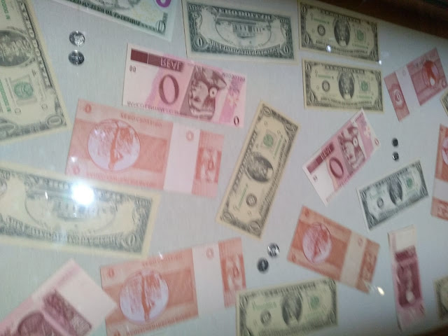 Cédulas de zero reais e zero dólares